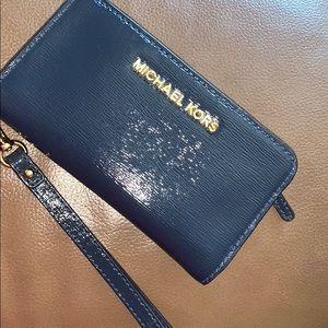 Adorable Michael Kors bi-fold wallet like new
